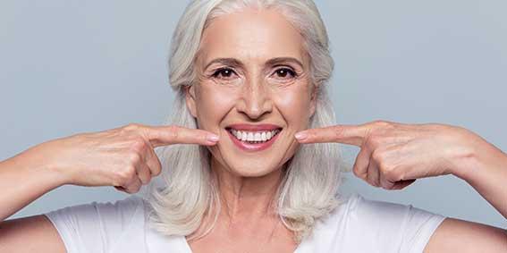 dientes en la tercera edad