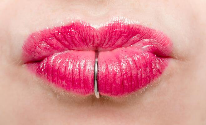 problemas piercing labios